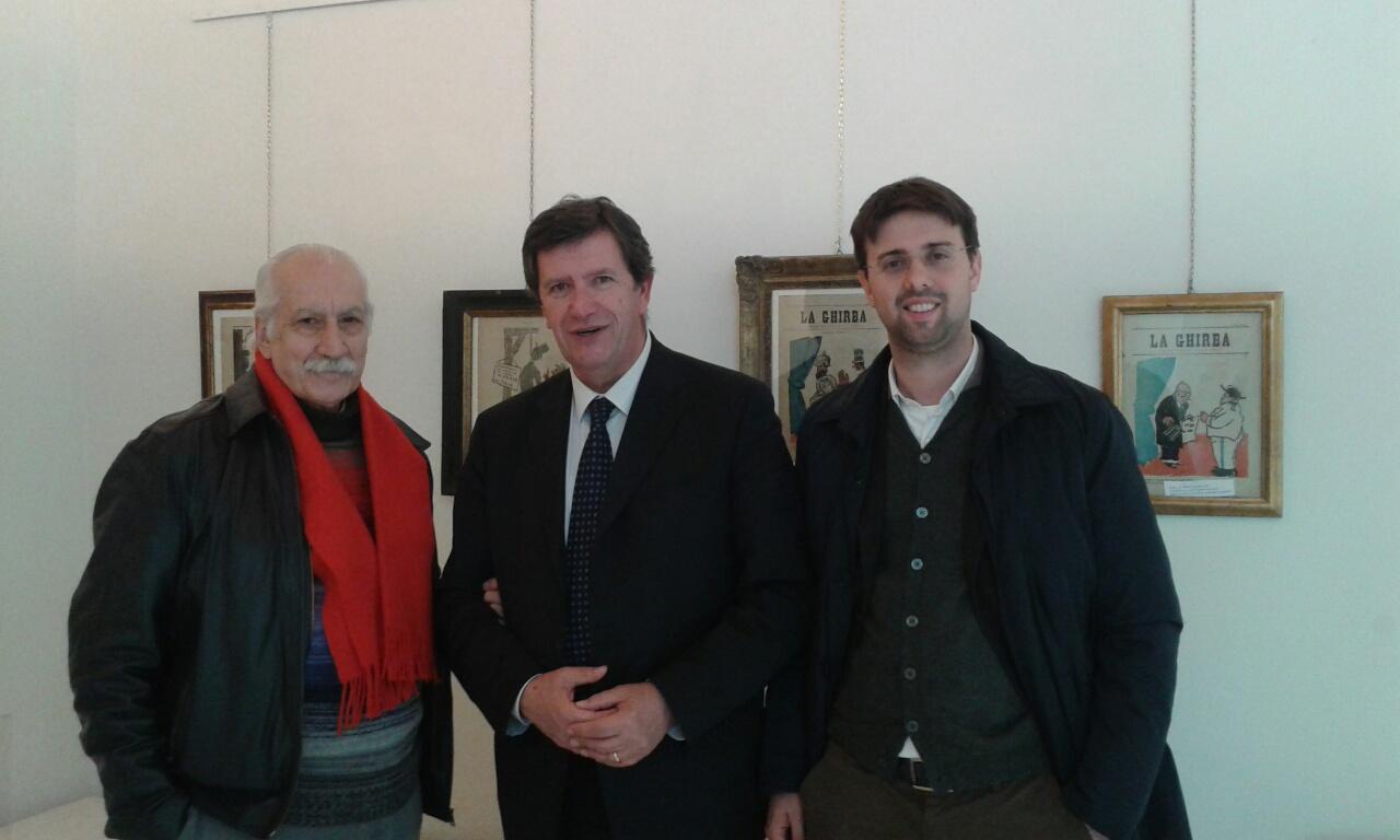 Il sindaco Marco Martini, l'assessore alla Cultura Giacomo Mari e il curatore Luigi Cavallo in occasione della presentazione della mostra