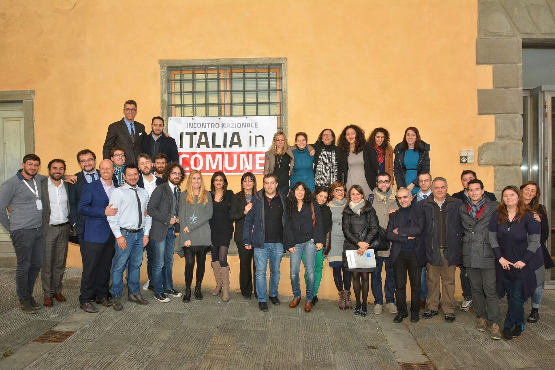 La foto di gruppo finale con alcuni dei tanti partecipanti alla due giorni