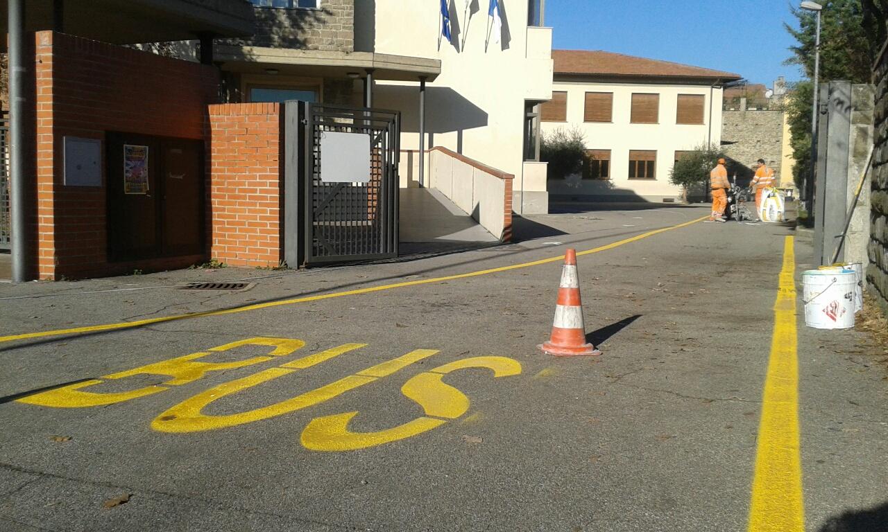 Rifacimento segnaletica scuolabus Lorenzo il Magni