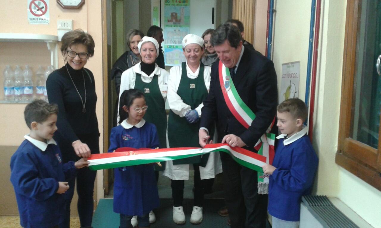 L'inaugurazione del nuovo refettorio della scuola primaria Lorenzo il Magnifico